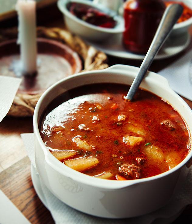 Un viaje gastronómico a Hungría: gulash