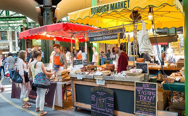 Borough Market, Londres, Inglaterra © Alex Segre /Shutterstock