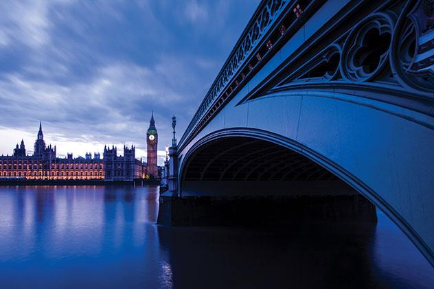Londres: el Parlamento desde el puente de Westminster
