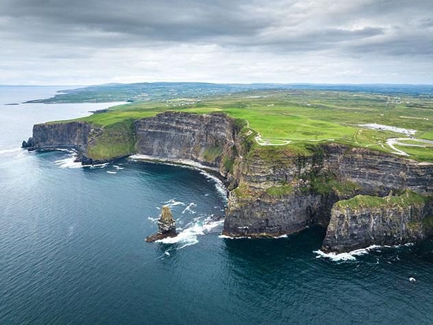 Vistas espectaculares de los acantilados de Moher, Irlanda
