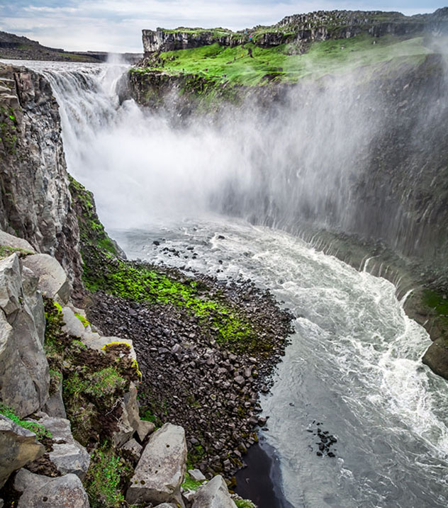Desviarse por un momento de la Arctic Coast Way permite contemplar la sensacional cascada Dettifoss, Islandia © Shaiith / Shutterstock