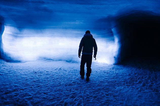 Celebración del solsticio de verano en el glaciar Langlökull, Islandia