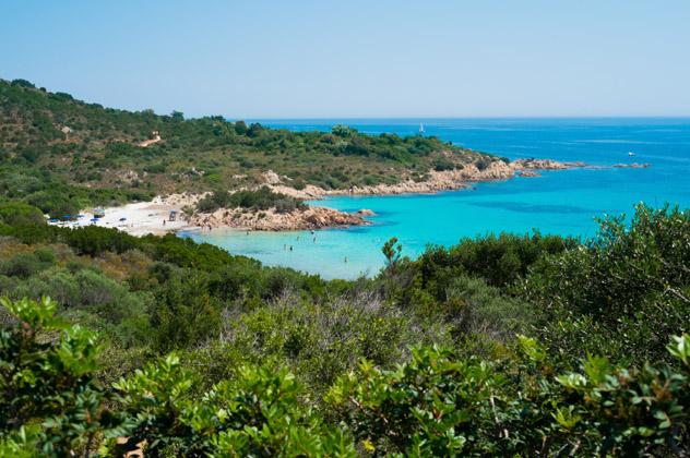 Spiaggia do Principe es el refugio perfecto, Cerdeña © elisalocci / iStock / Getty Images