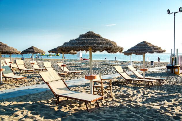 Playas de Rímini, Emilia-Romaña, Italia © Ms VectorPlus / Shutterstock