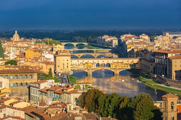 Río Arno, Florencia, Italia © S.Borisov / Shutterstock