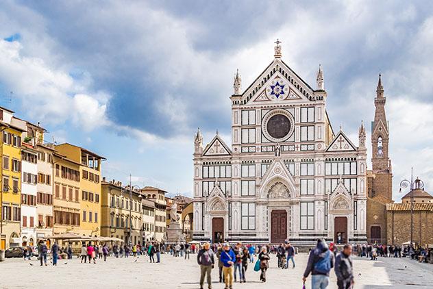 Basilica di Santa Croce, Florencia, Toscana, Italia © GoneWithTheWind / Shutterstock