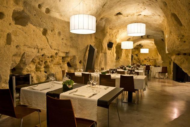 Cenas exquisitas en el carismático Baccanti, Matera, Basilicata, Italia © Baccanti - www.baccantiristorante.it