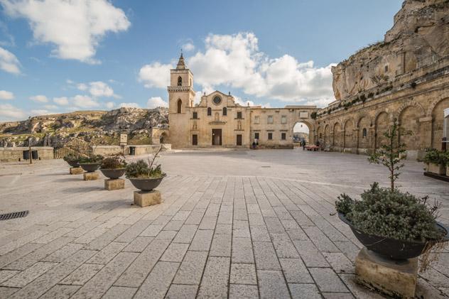 La iglesia de San Pietro in Barisano, Matera, Basilicata, Italia ©John Silver / Shutterstock