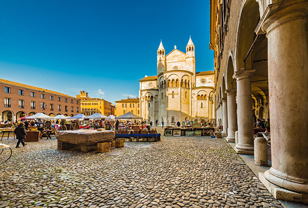 Plaza de Módena, Italia