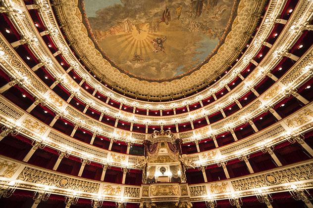 Parada del 'Grand Tour': Nápoles, teatro San Carlo