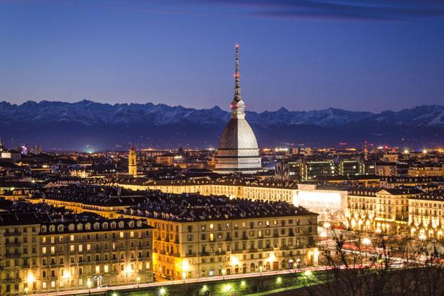 El elegante centro de Turín, núcleo urbano del Piamonte, Italia © Marco Saracco / Getty Images / iStock Photo