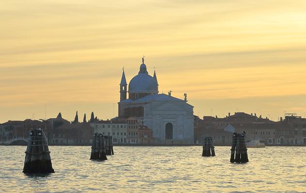 Giudecca al atardecer, Venecia, Italia © Faina Gurevich / Shutterstock
