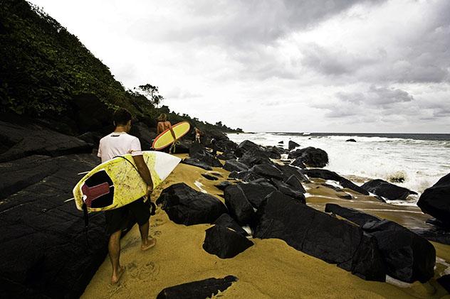 Experiencia salvaje en África: surf en Liberia