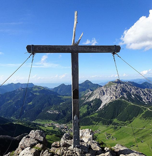La cima del Augstenberg ofrece vistas de los Alpes liechtensteinianos, suizos y austriacos © starfishDeluxe / Shutterstock
