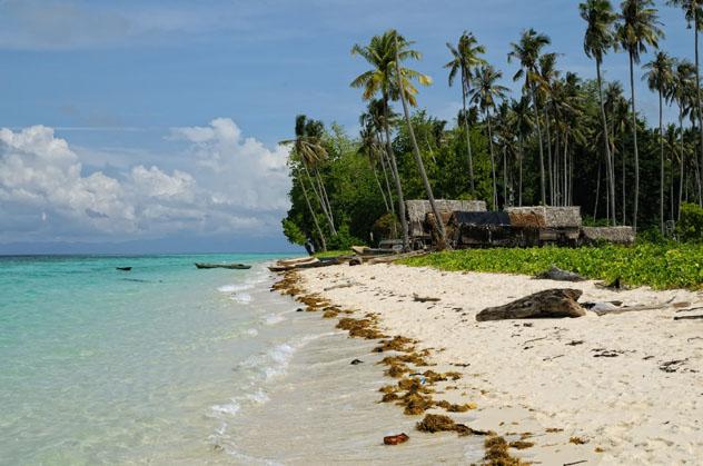 Isla Pulau Sibuan, archipiélago de Seribuat, Malasia © Maciej Rutkowski / 500px