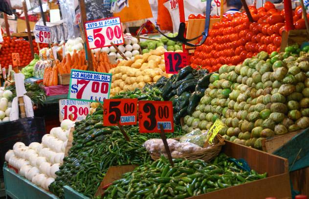 Mercado de la Merced, Ciudad de México, México © steve estvanik / Shutterstock
