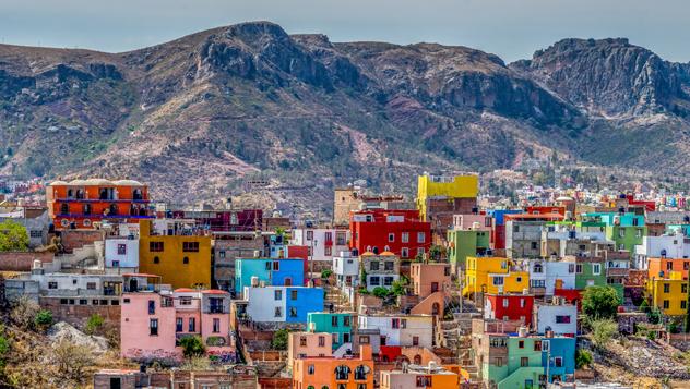 Fundada como enclave minero de plata por los españoles en el s. XVI, la colorida Guanajuato es hoy Patrimonio Mundial de la Unesco © Robert Powais / 500px
