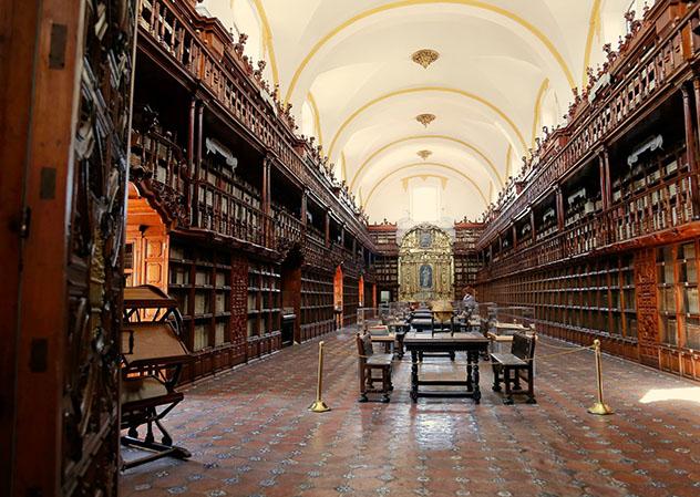 Biblioteca Palafoxiana, Puebla, México © www.palafoxiana.com