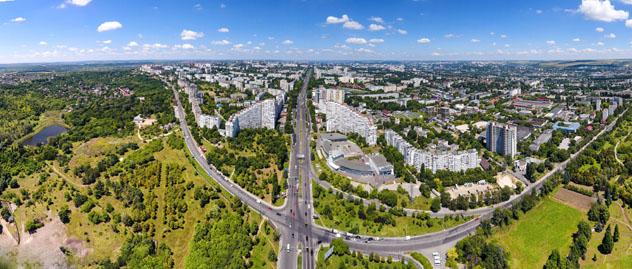 Panorámica aérea de Chisinau, Moldavia © Calin Stan / Shutterstock