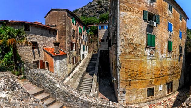 Casco antiguo de Kotor, Montenegro © Maylat / Shutterstock