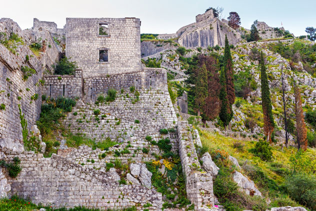 Fortaleza de San Juan y murallas de Kotor, Montenegro © Farion_O / Shutterstock