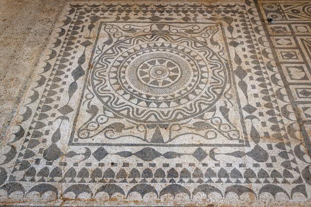 Mosaicos romanos, Risan, Montenegro © Lev Levin / Shutterstock