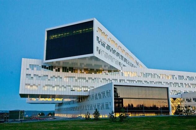 La premiada sede de Statoil es de todo menos aburrida, Oslo, Noruega © Trond Jølson / www.visitoslo.com