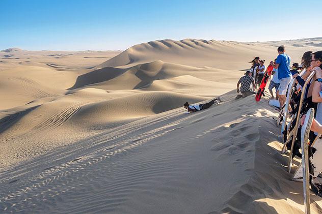 Aventuras en familia: en las dunas de Huacachina, Perú
