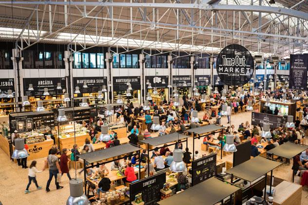 Mercado da Ribeira, Lisboa © tichr / Shutterstock