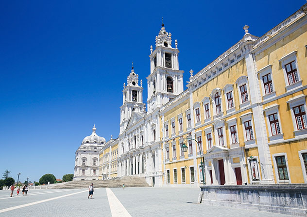Palacio Nacional de Mafra, Portugal © jorisvo / Shutterstock