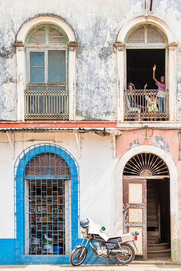 Santo Tomé y Príncipe: calles de Santo António