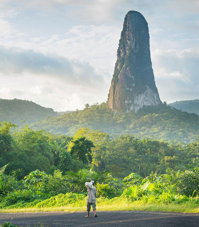 Santo Tomé y Príncipe: Pico Cão Grende en el sur de Santo Tomé