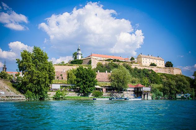 Novi Sad, Serbia: fortaleza ciudadela Petrovaradin