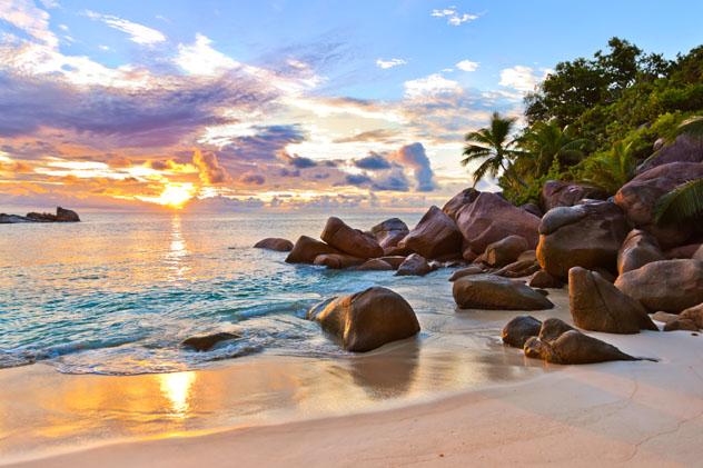 Playa de la isla Praslin, Seychelles © TPopova / Getty Images