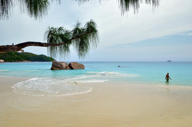Playa Anse Lazio, isla Praslin, Seychelles © Oleg Znamenskiy / Shutterstock
