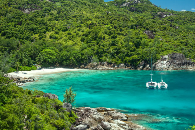 Playa Anse Major, isla Mahé, Seychelles © Denis Kabanov / Shutterstock