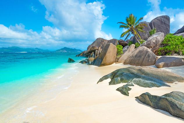 Playa Anse Source d'Argent, isla La Digue, Seychelles © Simon Dannhauer / Getty Images / iStockphoto