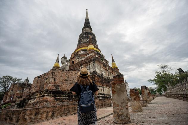 Templo Wat Chai Mongkol, Tailandia © Mongkol Foto / Shutterstock