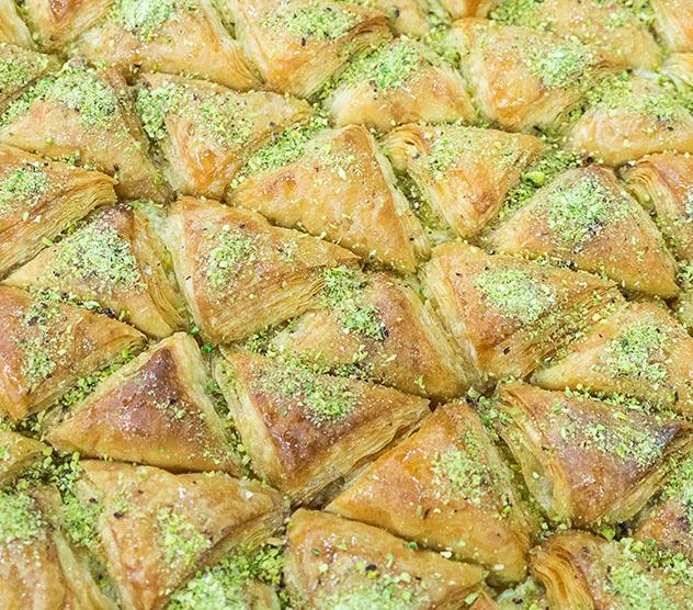 Turismo sostenible: diversidad. El warbat ammaní, una tarta de hojaldre rellena de crema, Jordania