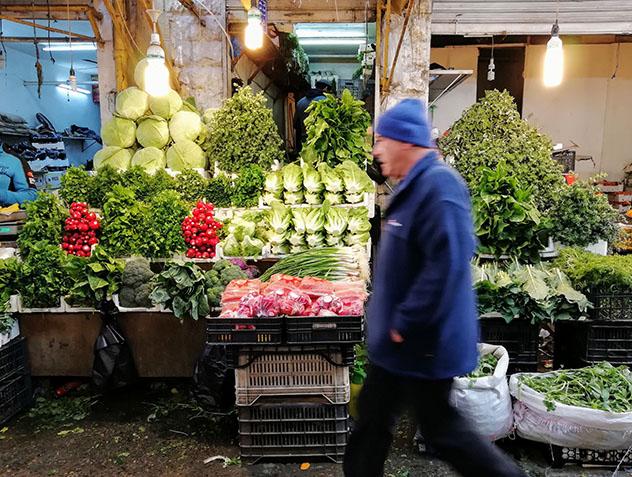 Turismo sostenible: diversidad. Un mercado de hortalizas en Ammán, Jordania