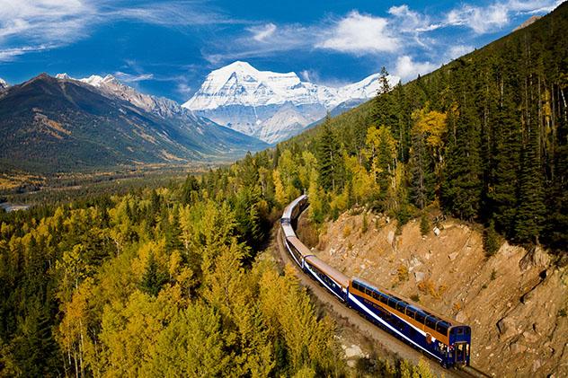 Turismo sostenible: sostenibilidad. El tren Rocky Mountaineer, Canadá