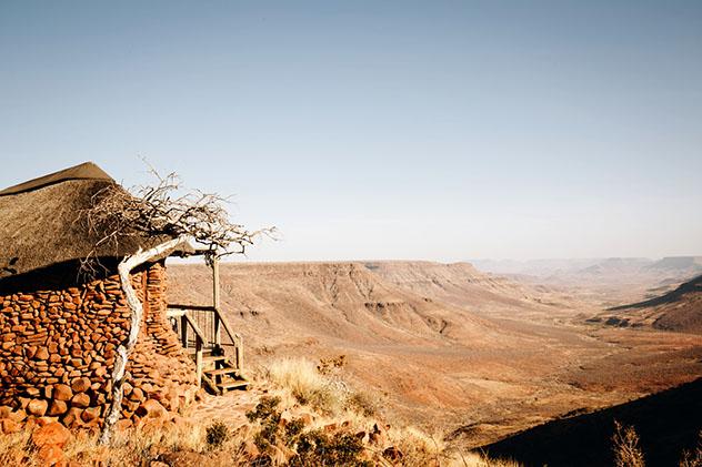 Turismo sostenible: sostenibilidad. Grootberg Lodge, Namibia