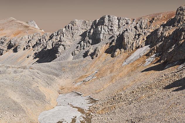Visitar el cañón Valles Marineris en Marte