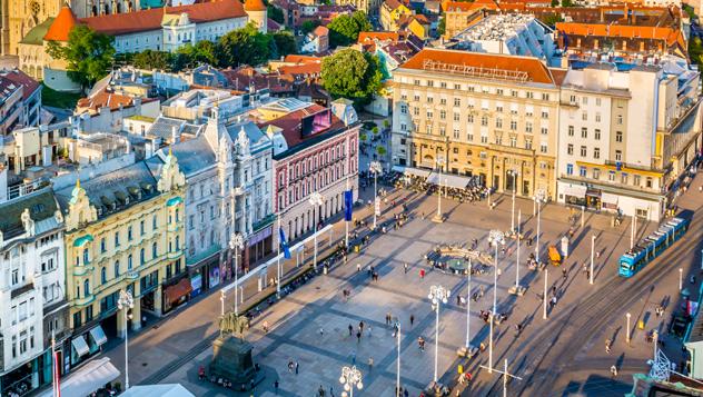 Trg Josipa Jelacica, Zagreb, Croacia © Dreamer4787 / Shutterstock