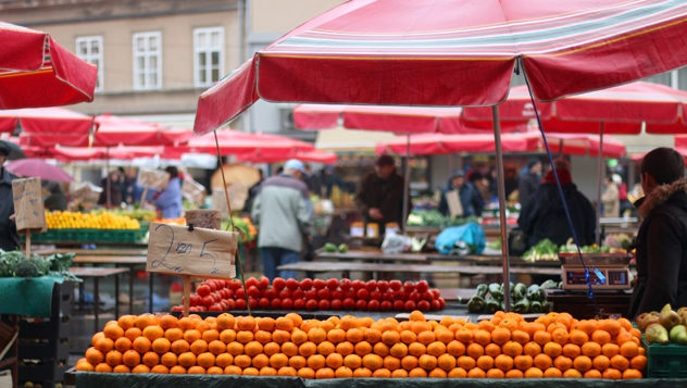 Mercado de Dolac, Zagreb, Croacia © Jelena990 / Shutterstock