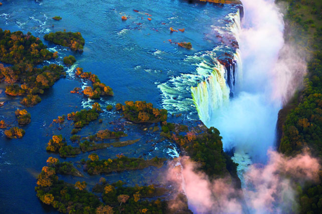 Las imponentes cataratas Victoria, Zimbabue © e2dan / Shutterstock