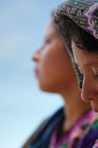 Mujeres en el lago Atitlán, Guatemala