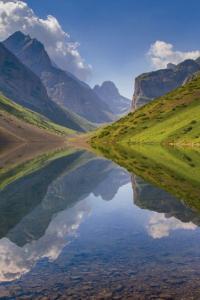 Lago Kol, montañas Tian Shan, Kirguistán