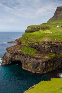 Turismo sostenible: cada año las Feroe invitan a voluntarios para ayudar a preservar sus paisajes naturales
