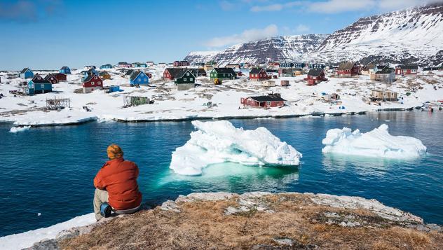 Vistas de Qeqertarsuaq, un pueblecito de Groenlandia